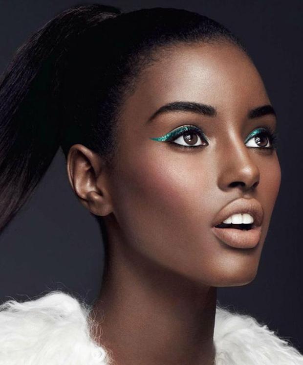 intro-03-totalbeauty-logo-foundation-dark-skin